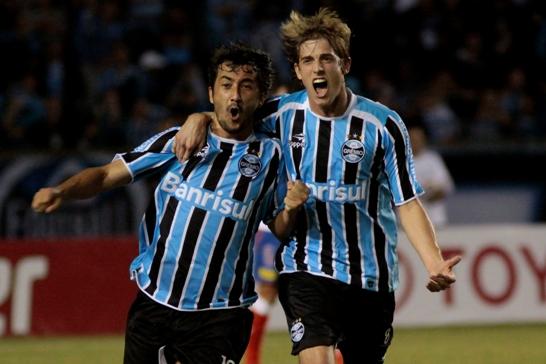 09c1515420517 Noite de desastre técnico e emocional. Grêmio perde em casa